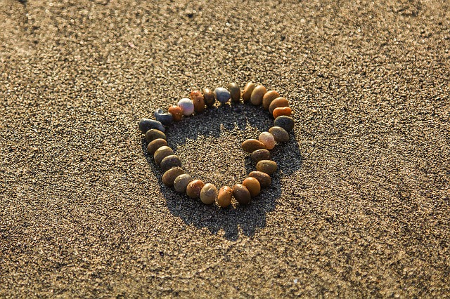 srdce z kamínků