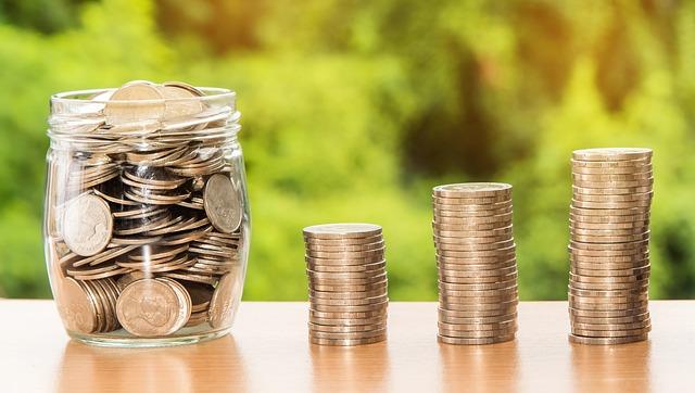 peníze na stole.jpg