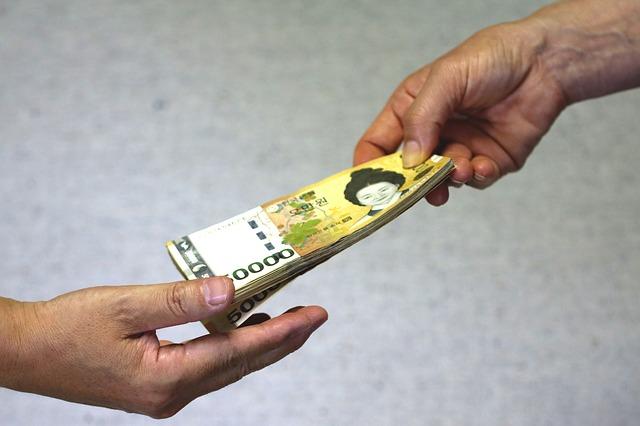 předání hotovosti