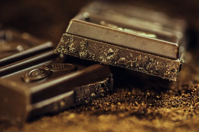 úlomek čokolády