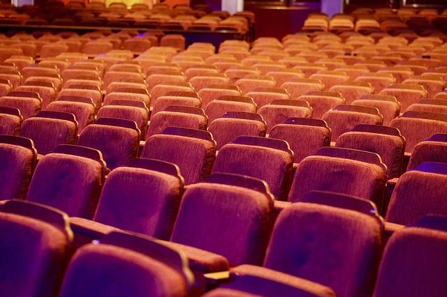Hlediště, divadlo, sedadla