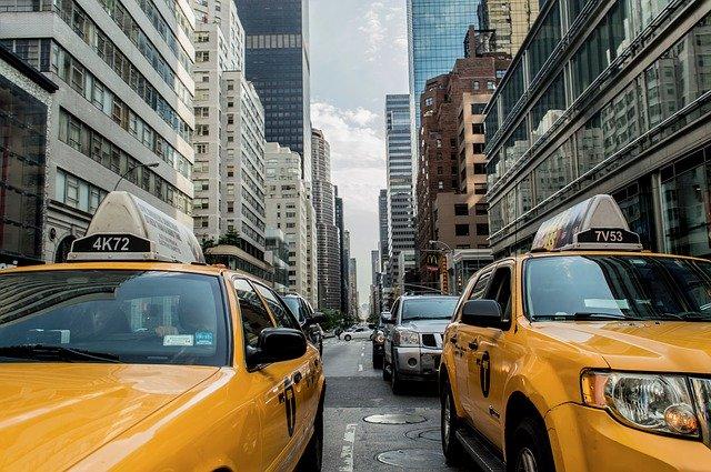 U.S.A., taxi, město